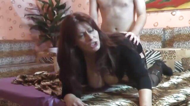 پورنو بدون ثبت نام  مرد دانلود رایگان فیلم سکسی فول اچ دی سیاه و سفید و بزرگ فالوس