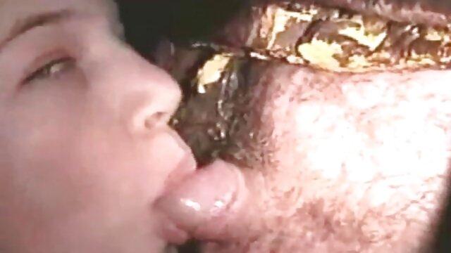 پورنو بدون ثبت نام  بچه ای که فریب عکس های فول اچ دی سکسی خورده در دیک بزرگ
