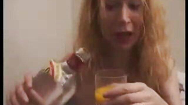 پورنو بدون ثبت نام  دختر فیلم های فول اچ دی سکسی در لباس زیر