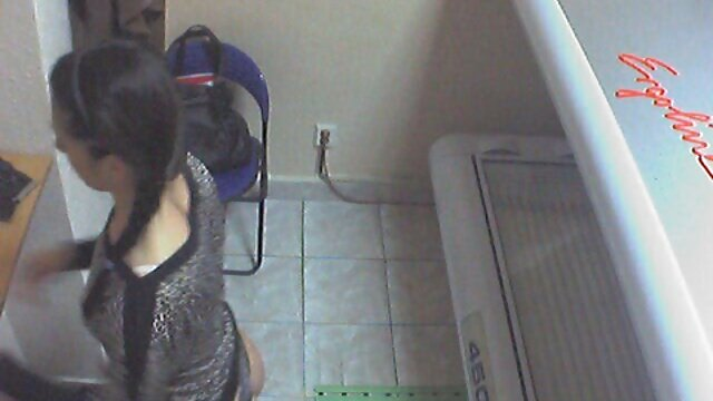 پورنو بدون ثبت نام  گاییدن دختر آسیایی در لباس خدمتکار سکس فول اچ تی